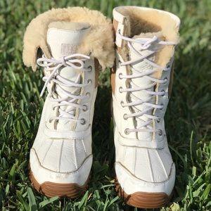 UGG🍂🍂Adirondack II Snow boots Sz 9